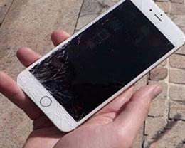 就因为iPhone碎屏拒换新 她居然开车砸店!