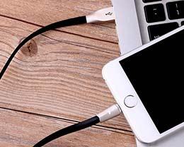苹果手机电量用完充好?还是没用完充要好?